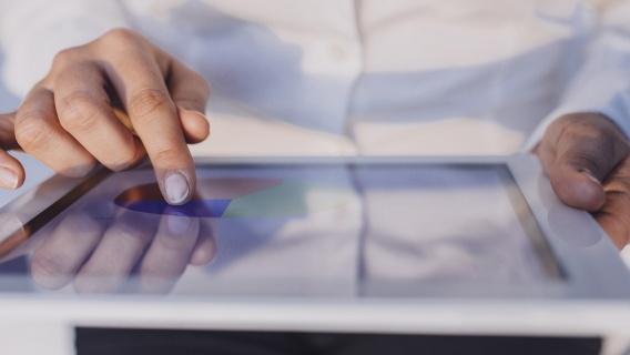 För att utvärdera din kreditvärdighet i samband med beställningen och fastställa din kreditgräns när du ansöker om ett Neste-kort.