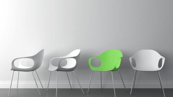 Plast stolar Ikea och Neste